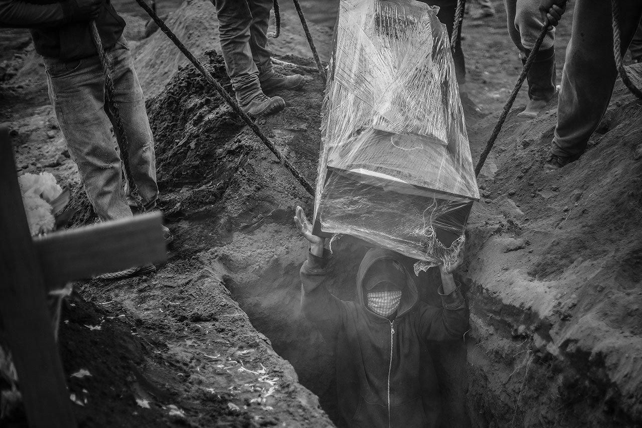 Fotogalería: Sin domar la pandemia, México supera las 100,000 muertes por Covid