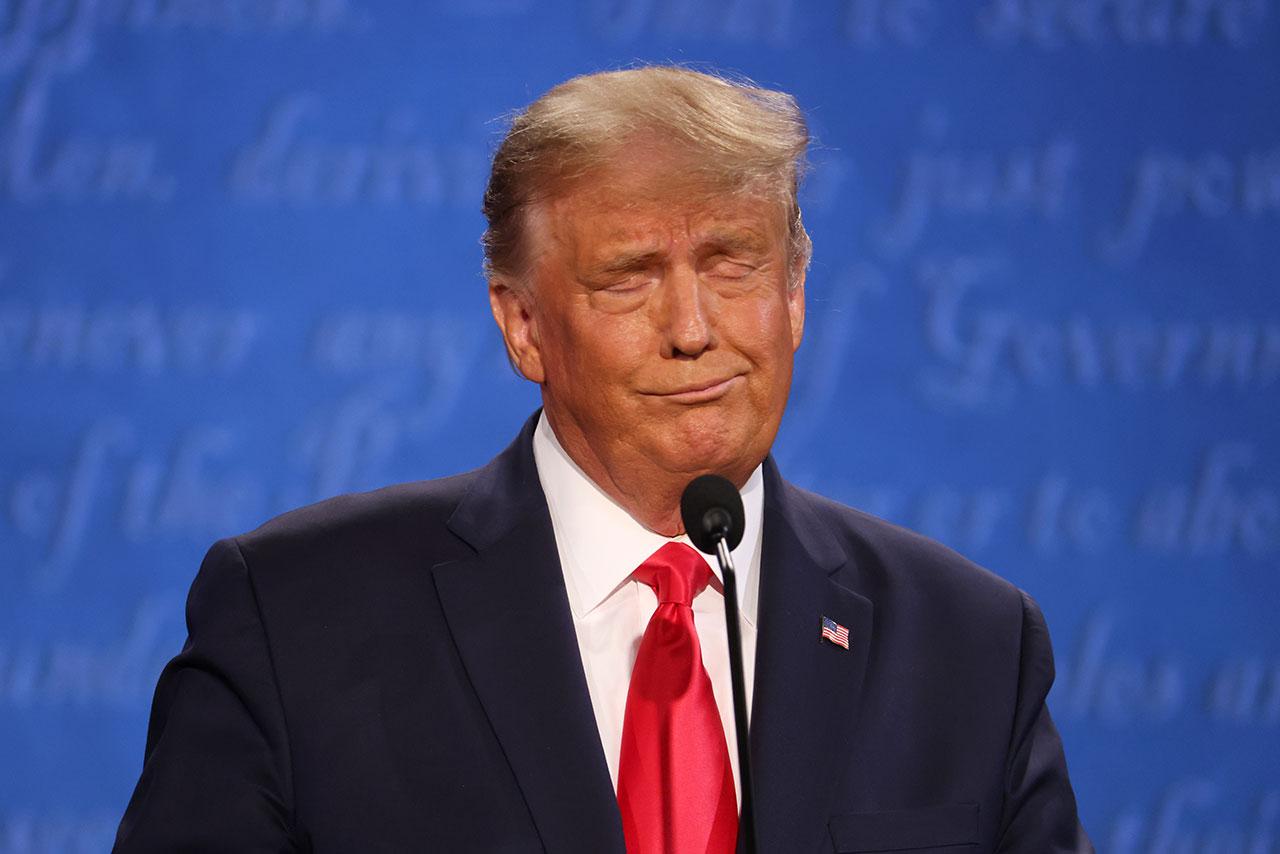 Vetado en la redes sociales, Trump lanza su propia plataforma digital