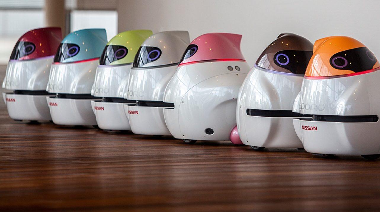 Este robot de Nissan emula a los vehículos autónomos