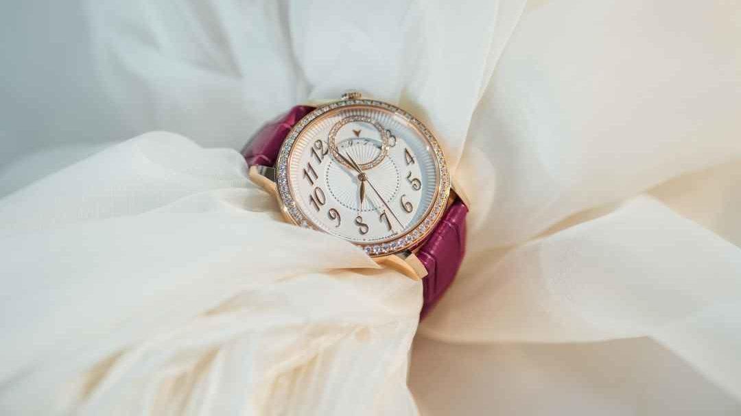 Feminidad exquisita y maestría artesanal en la alta relojería