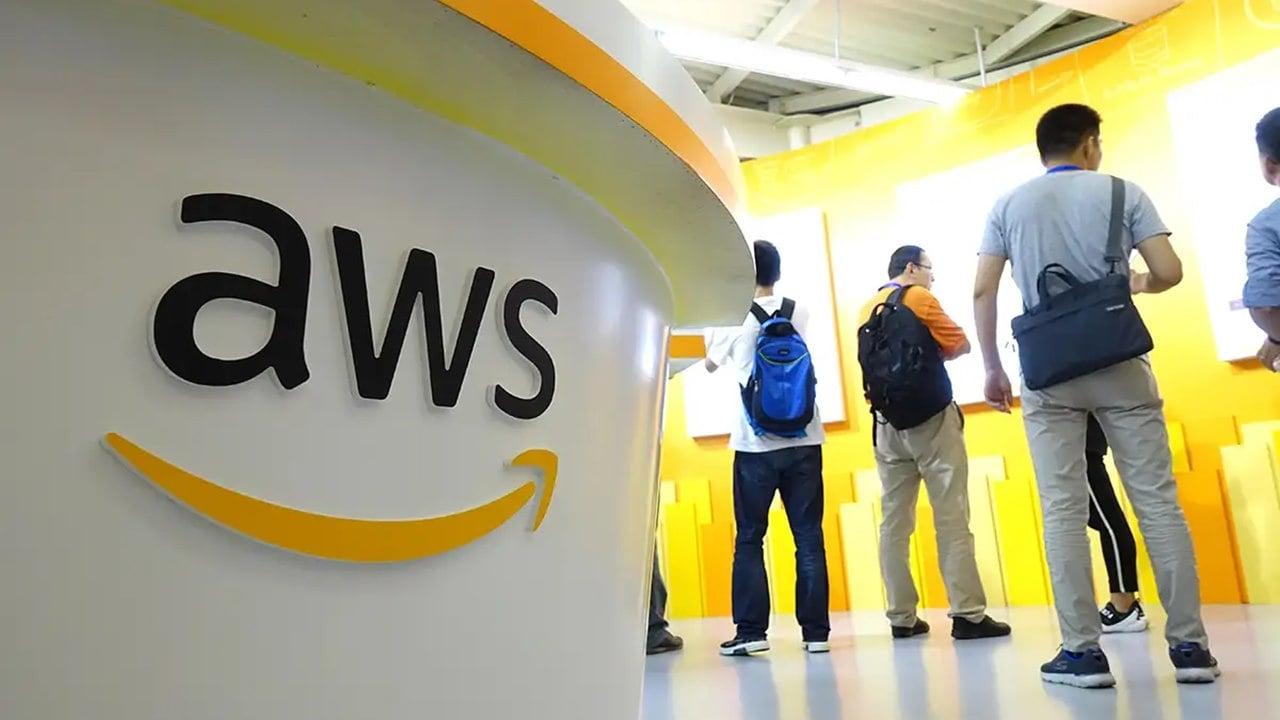 Servicio de nube de Amazon sufre caída masiva