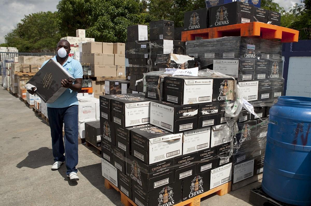 Se vendieron 750 millones de botellas de bebidas alcohólicas adulteradas en la pandemia