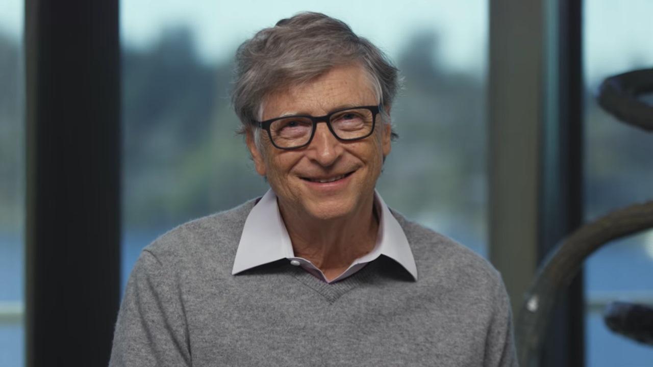 Apostar más por educación que por petróleo, aconseja Bill Gates a México
