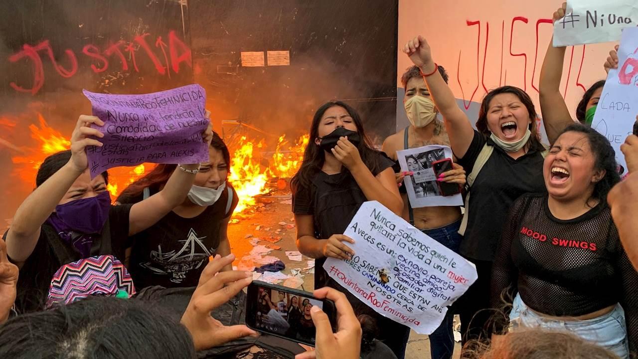 Cae secretario de Seguridad de QR por represión a feministas en Cancún