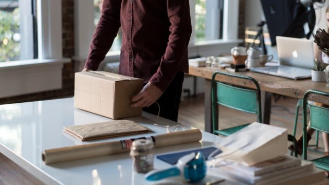 Paquete envío logística