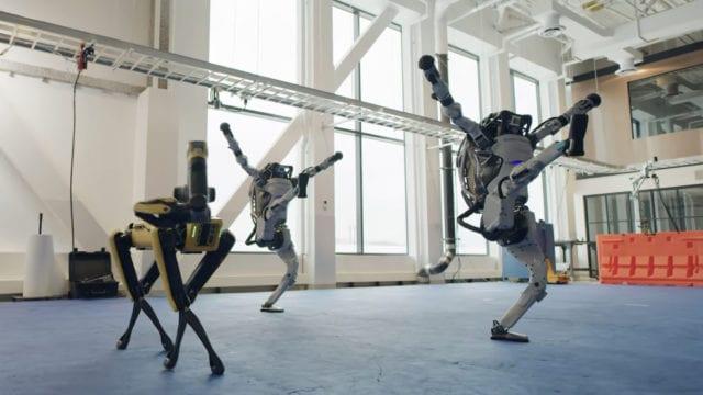 Los robots de BD bailando