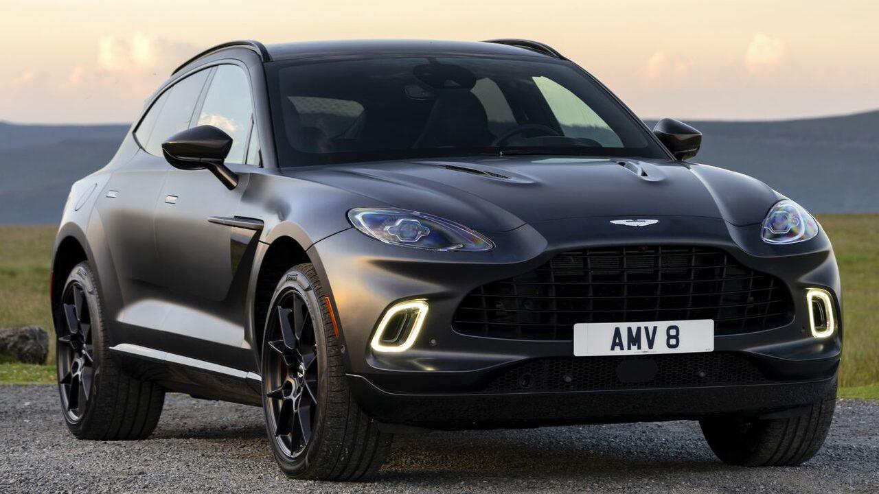 Pinceladas deportivas y elegantes: Llega a México la primera SUV de Aston Martin