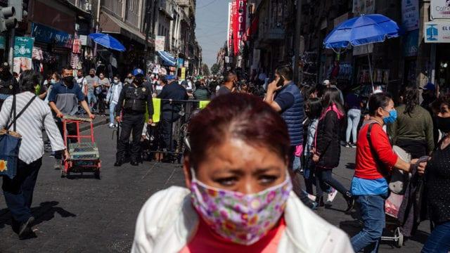 Gente compras centro Covid 19 Pandemia 8