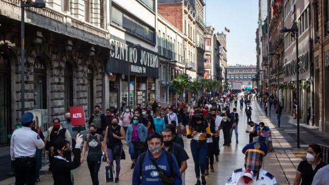 Gente compras centro Covid 19 Pandemia 10