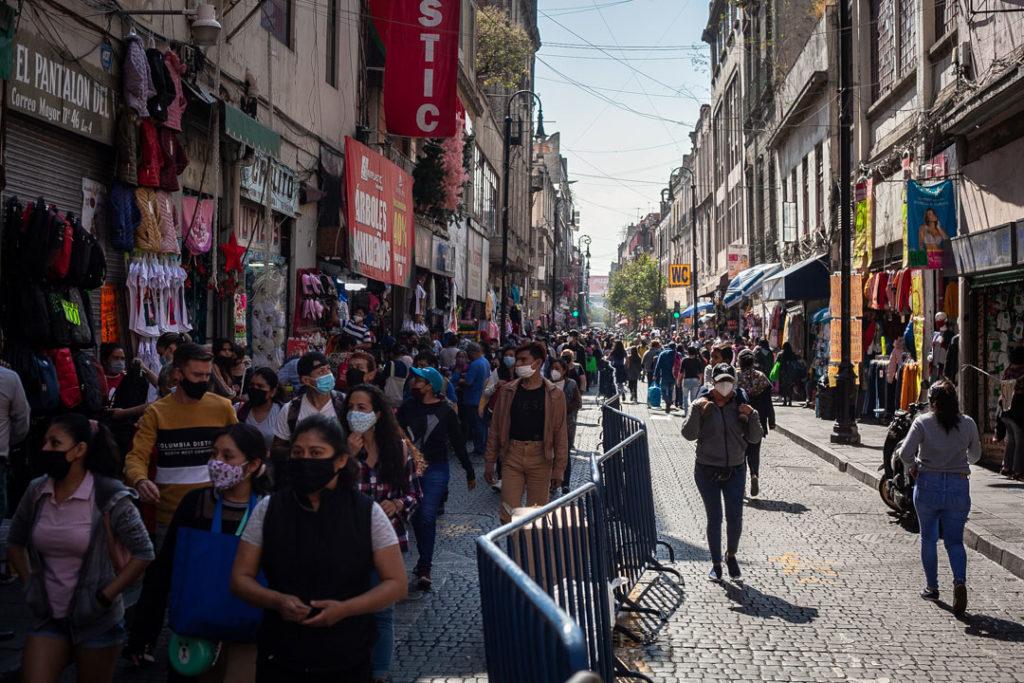 Gente compras centro Covid 19 Pandemia 3