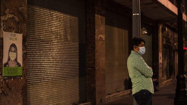 Gente con cubreboca Pandemia Covid 19 3