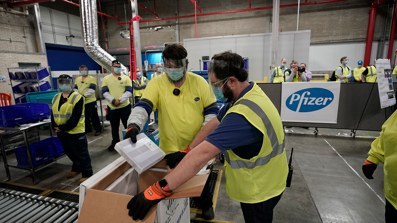 The First Shipments Of The Pfizer And BioNTech COVID-19 Vaccine Are Transported For Shipping VACUNA