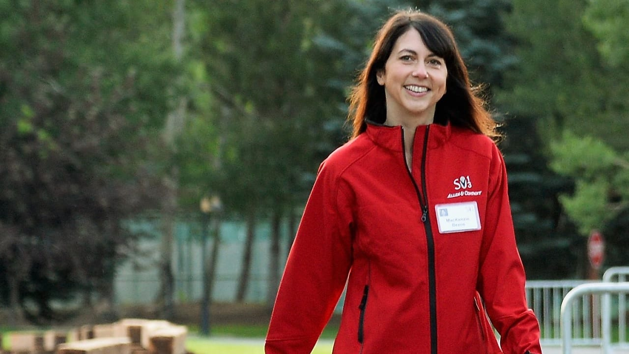 Mackenzie Scott dona 4,600 millones de dólares de su fortuna