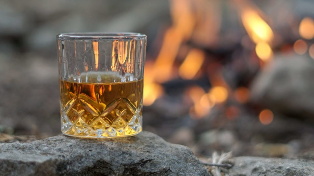 Tres cocteles con whisky para celebrar en Navidad y Año Nuevo