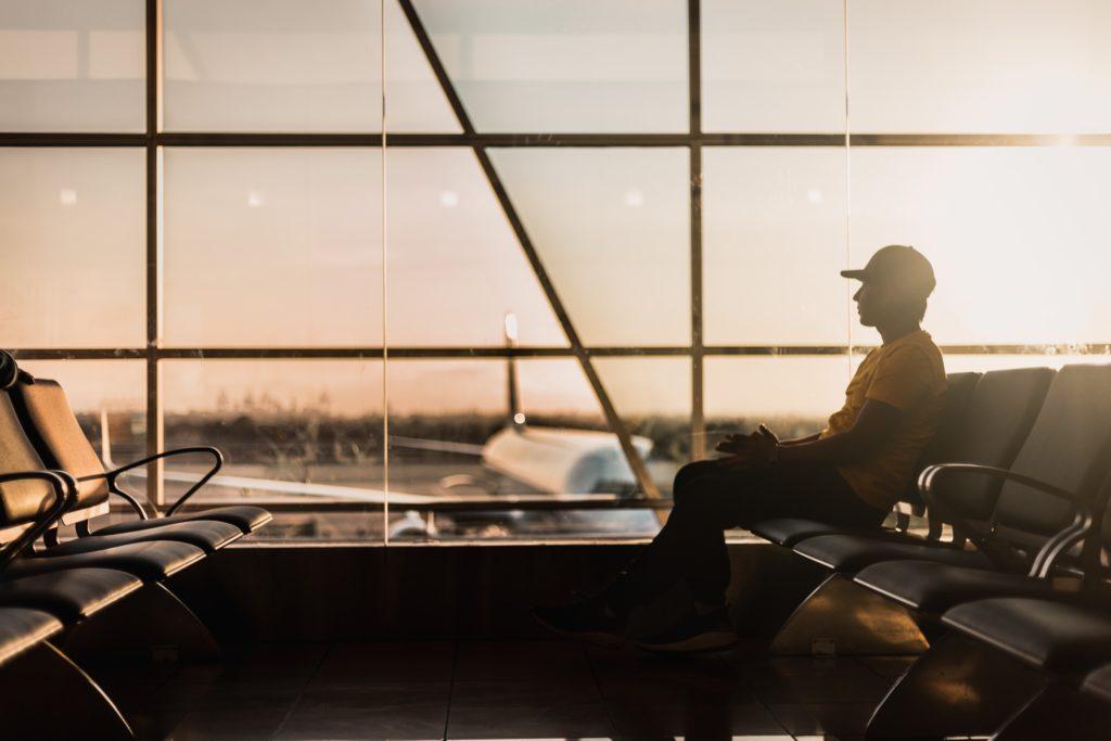 viaje en aeropuerto pandemia avión