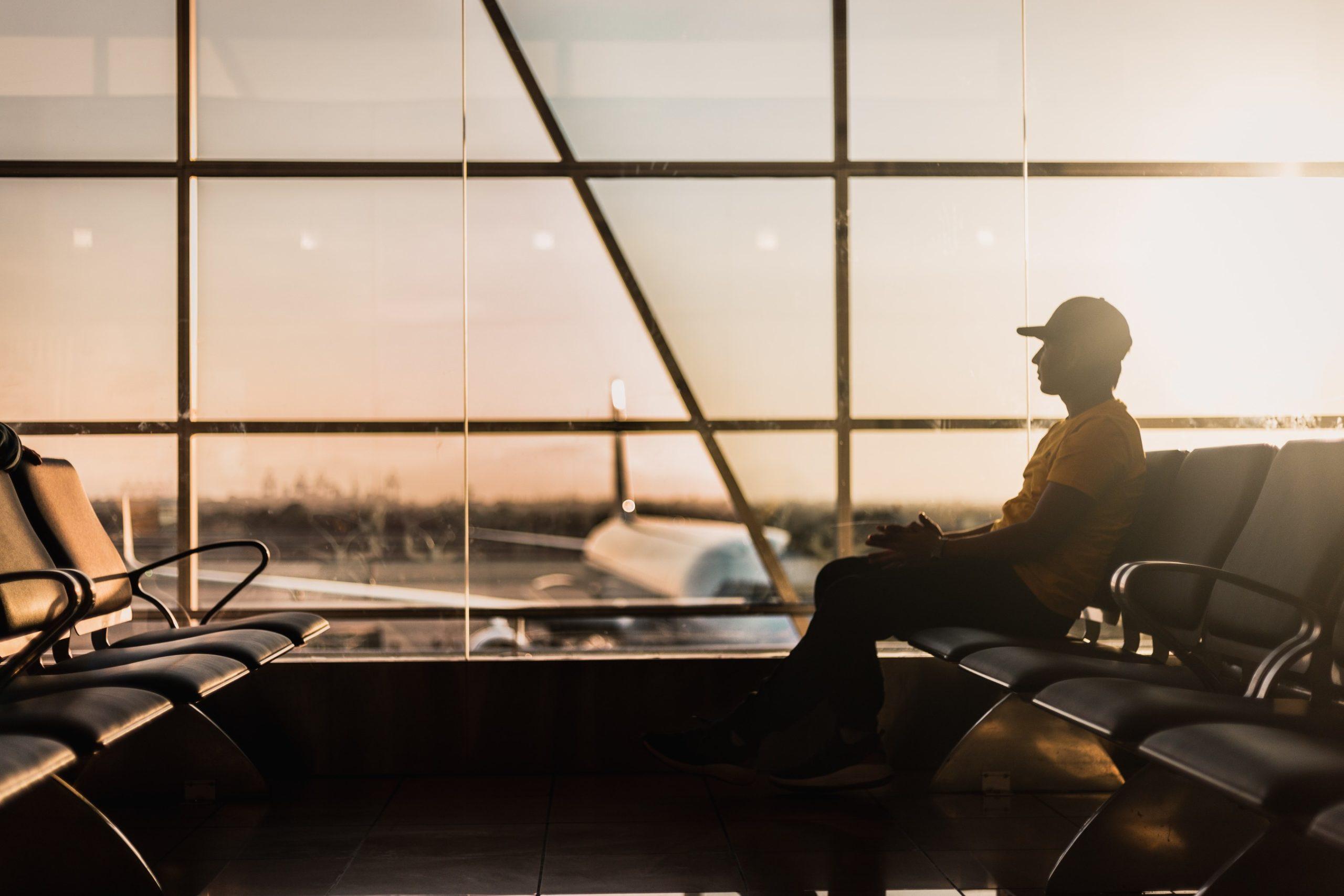 UE acuerda pasaporte Covid-19 para reactivar viajes de verano