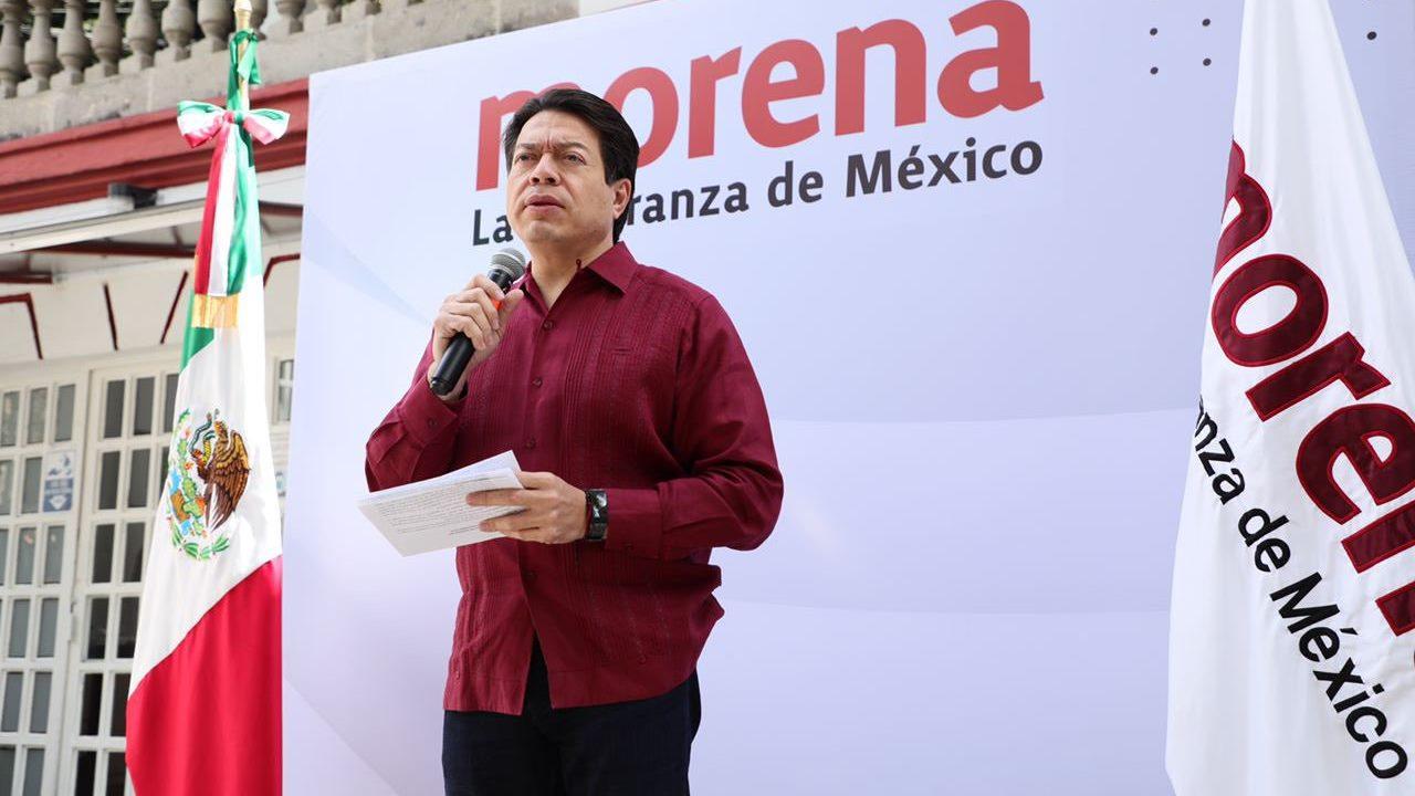 Mario Delgado acusa al INE de censurar a López Obrador