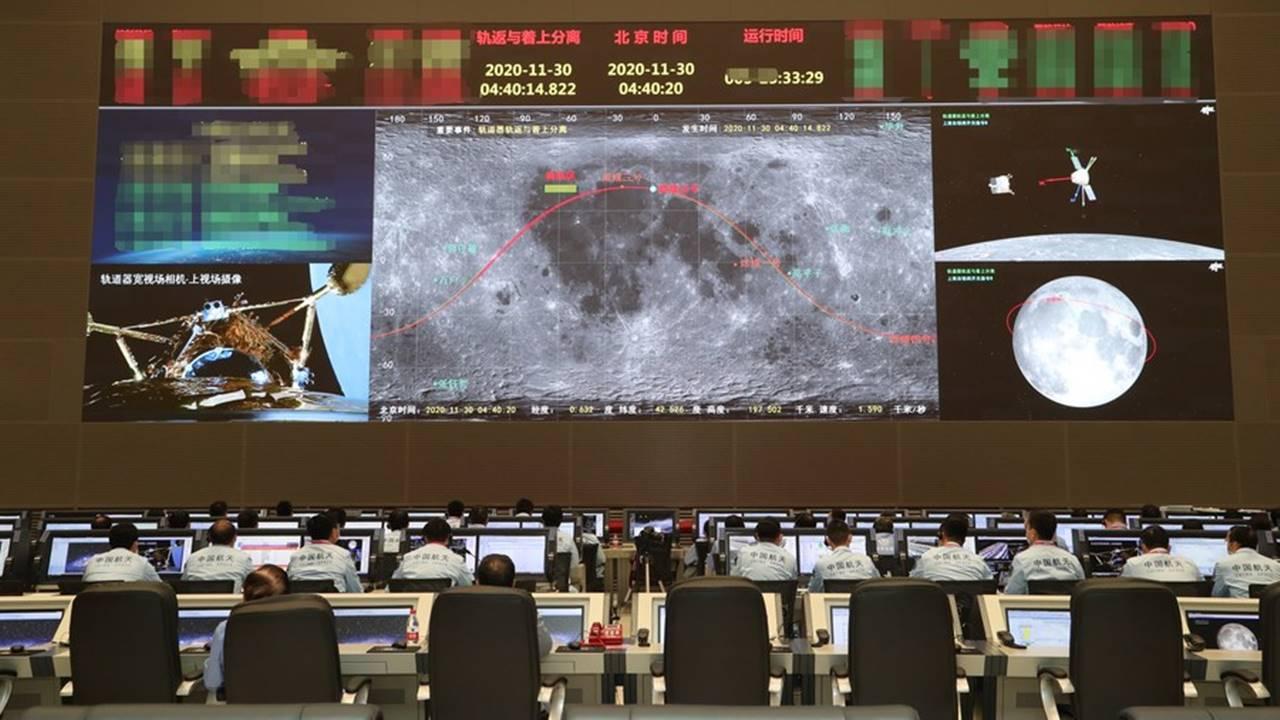 China reporta el alunizaje con éxito de su nave robot