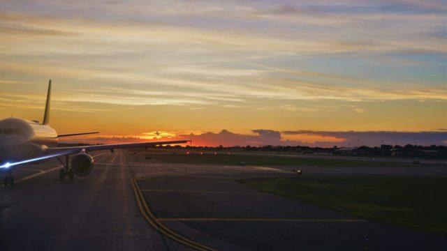 viaje por avión vacaciones pandemia