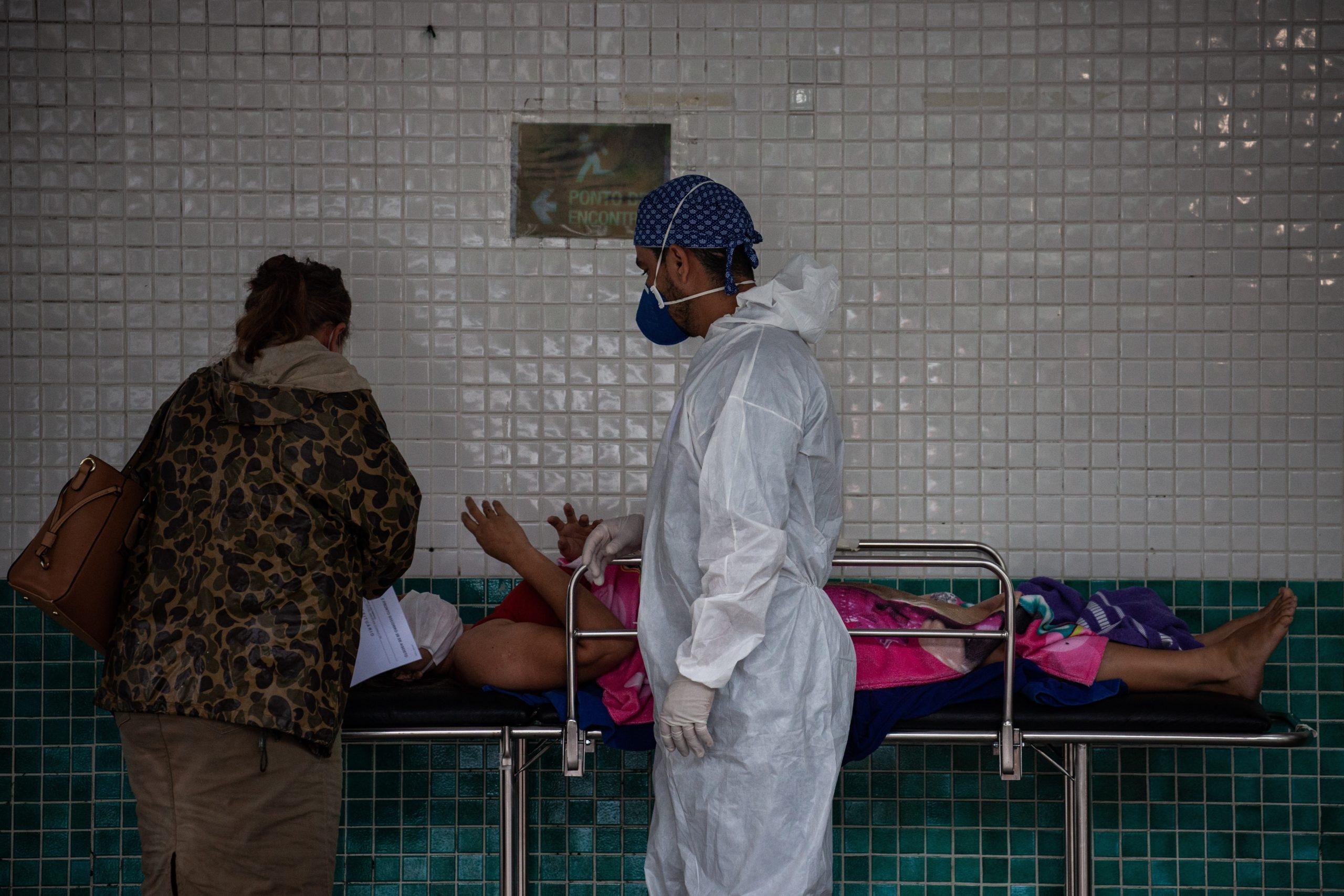Ordenan un toque de queda de once horas en Amazonas por el colapso hospitalario