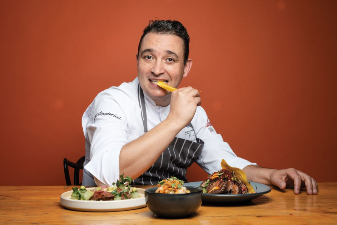 Azari Cuenca, el chef mexicano decidido a hacer frente a la pandemia