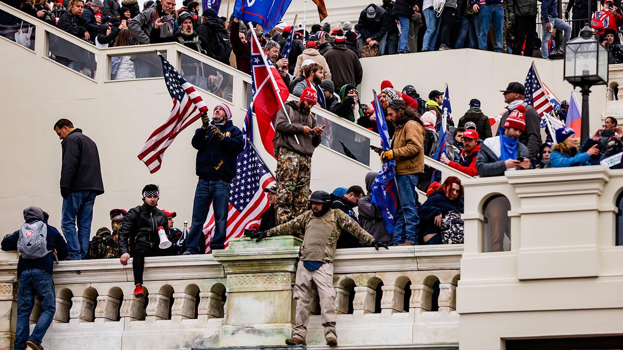 Día de Reyes y fragilidad de la democracia… Entre el poder, fe y El Capitolio