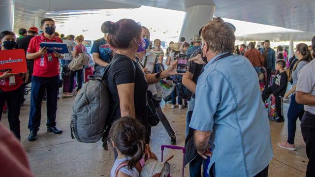 Turistas Cancún Aeropuerto