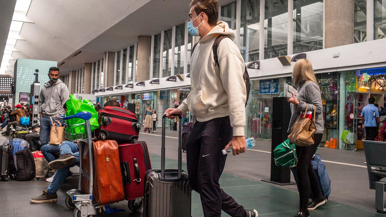 AICM redirige algunos vuelos a otros aeropuertos por condiciones meteorológicas
