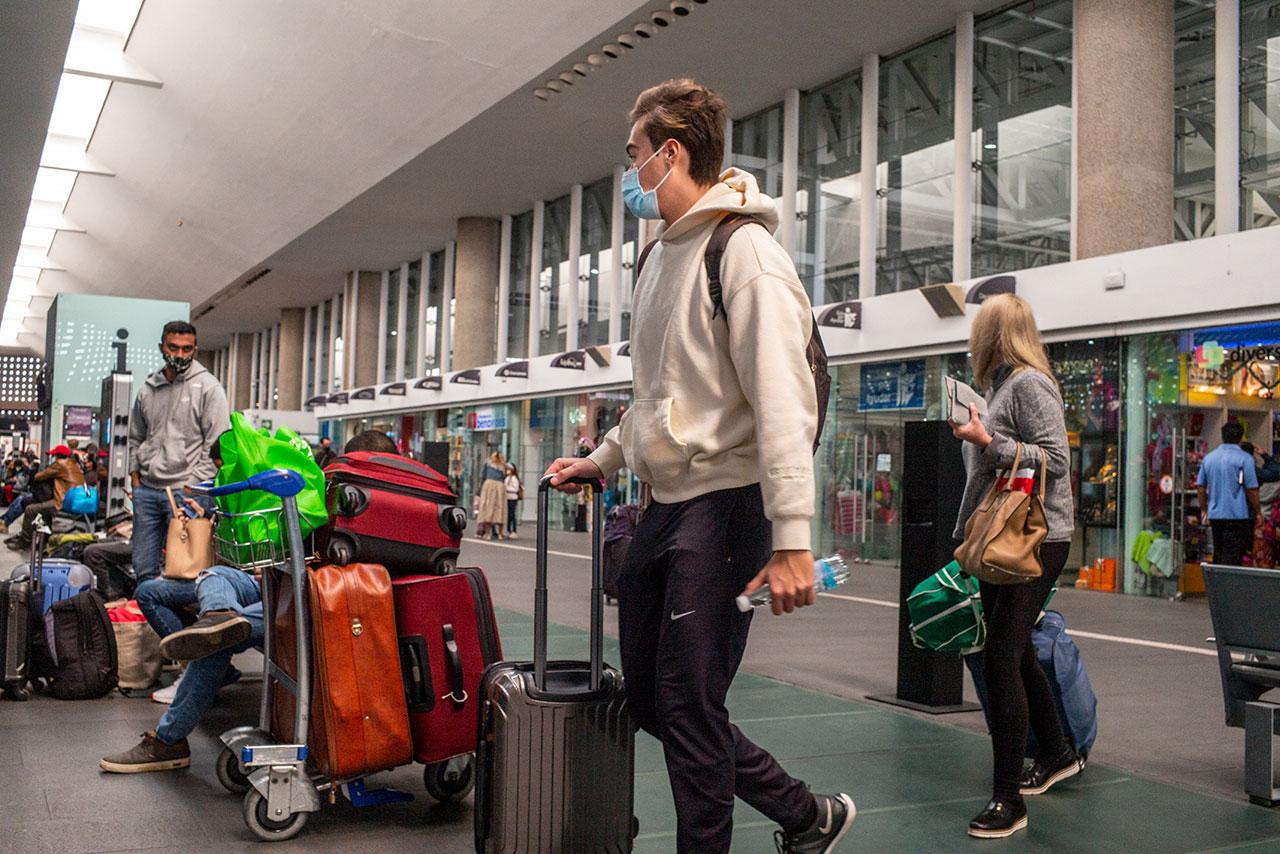 EU alerta a sus ciudadanos de no viajar a México en Semana Santa por pandemia