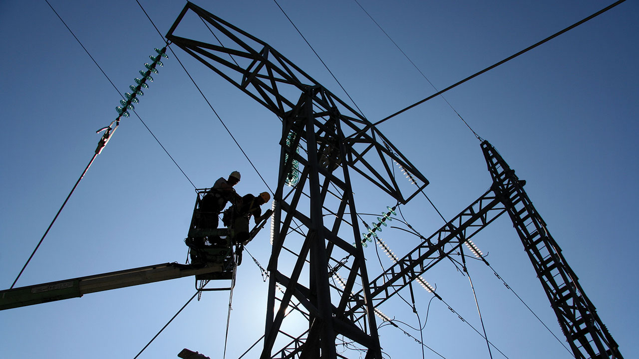 Diputados de Comisión de Economía rechazan iniciativa eléctrica de AMLO
