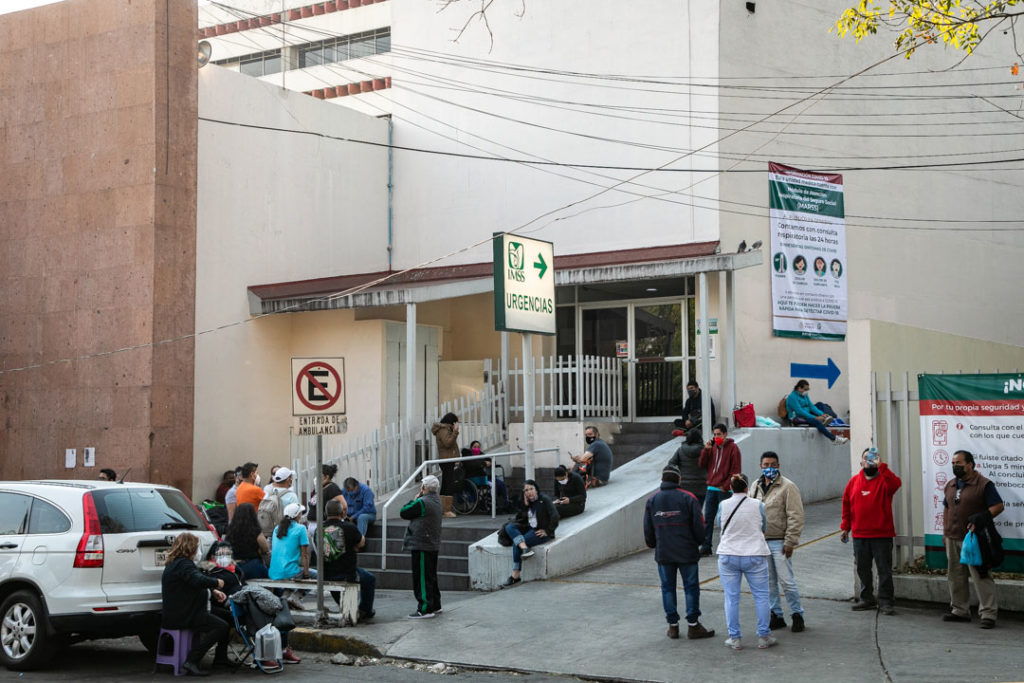 Hospitales gente paramedicos Covid19 15