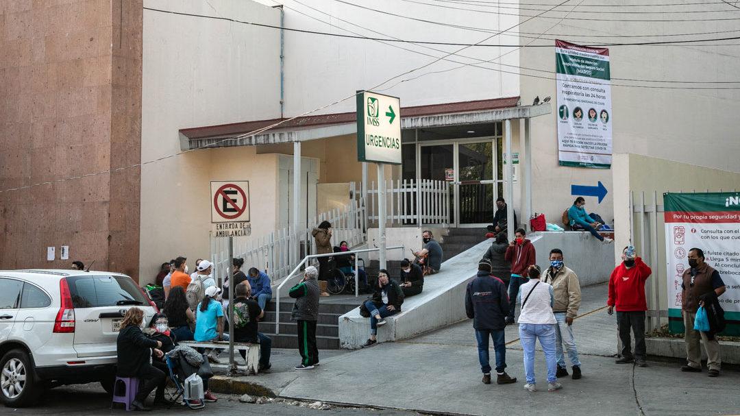 Hospitales en México sufren por tercera ola de contagios de Covid-19