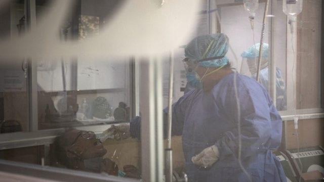 Hospitales gente paramedicosCovid19 18 coronavirus
