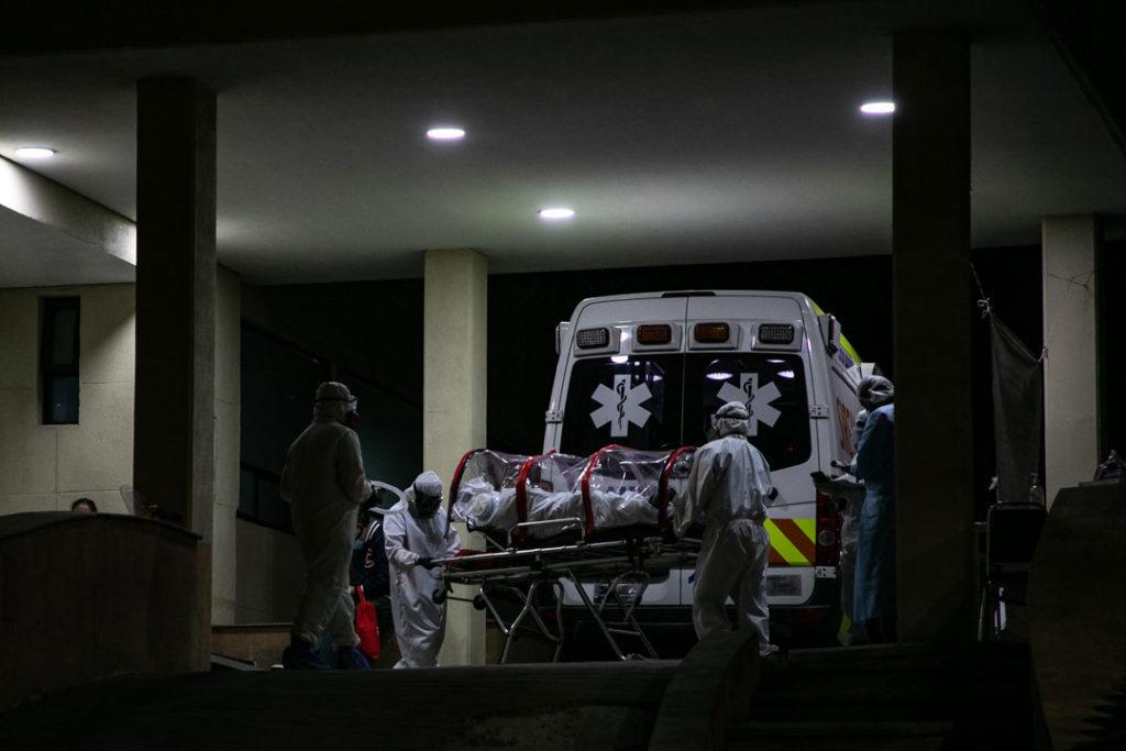 Hospitales-gente-paramedicos-Covid19-4