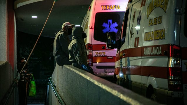 Hospitales gente paramedicos Covid19 5