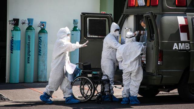 Hospitales gente paramedicos Covid19 7