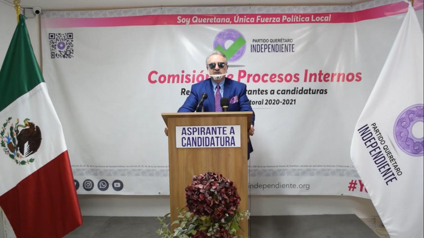Carlos Villagrán 'Kiko' se registra como precandidato a la gubernatura en Querétaro