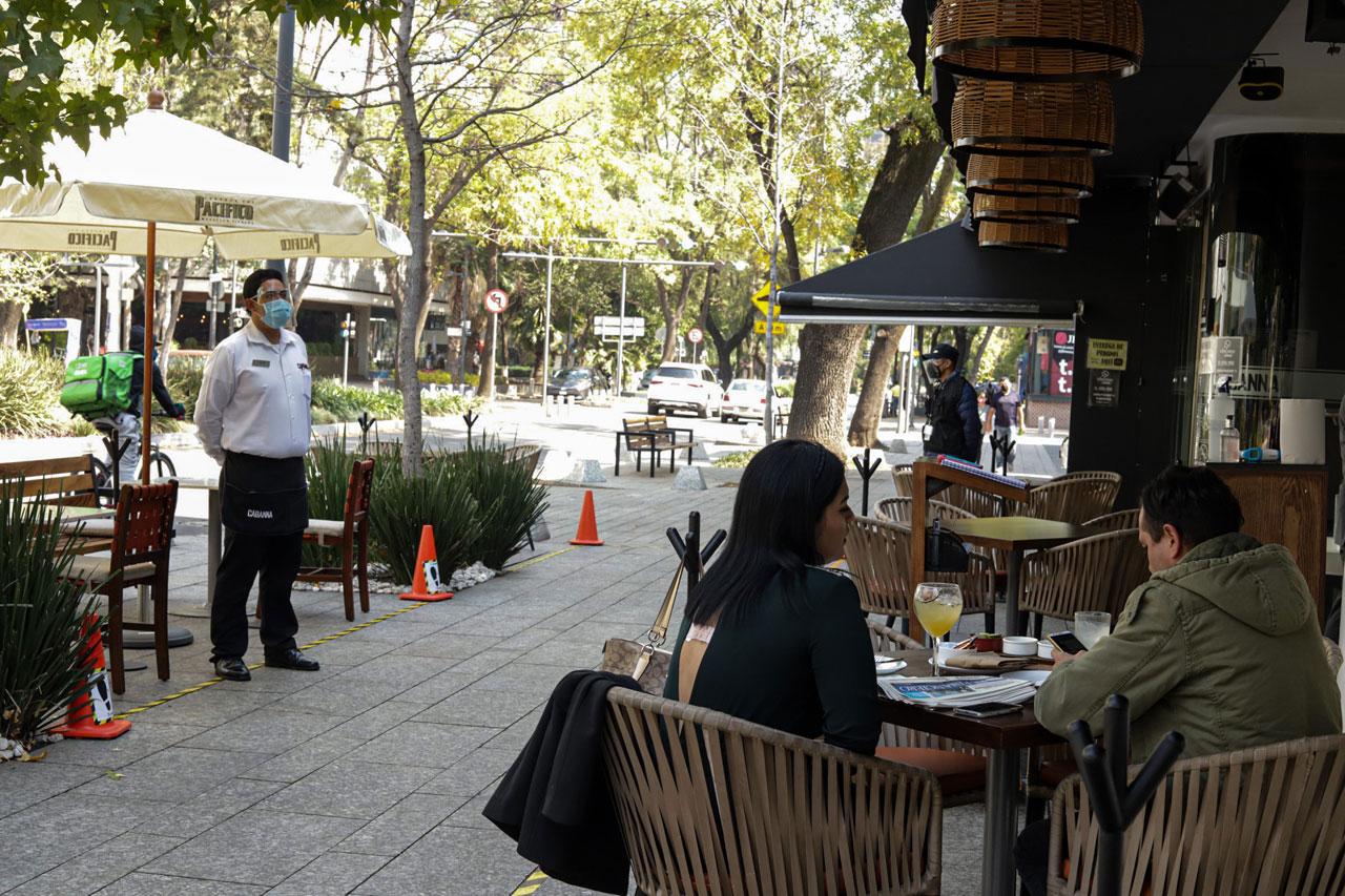 Economía mexicana se contrae 2.1% en marzo: Inegi