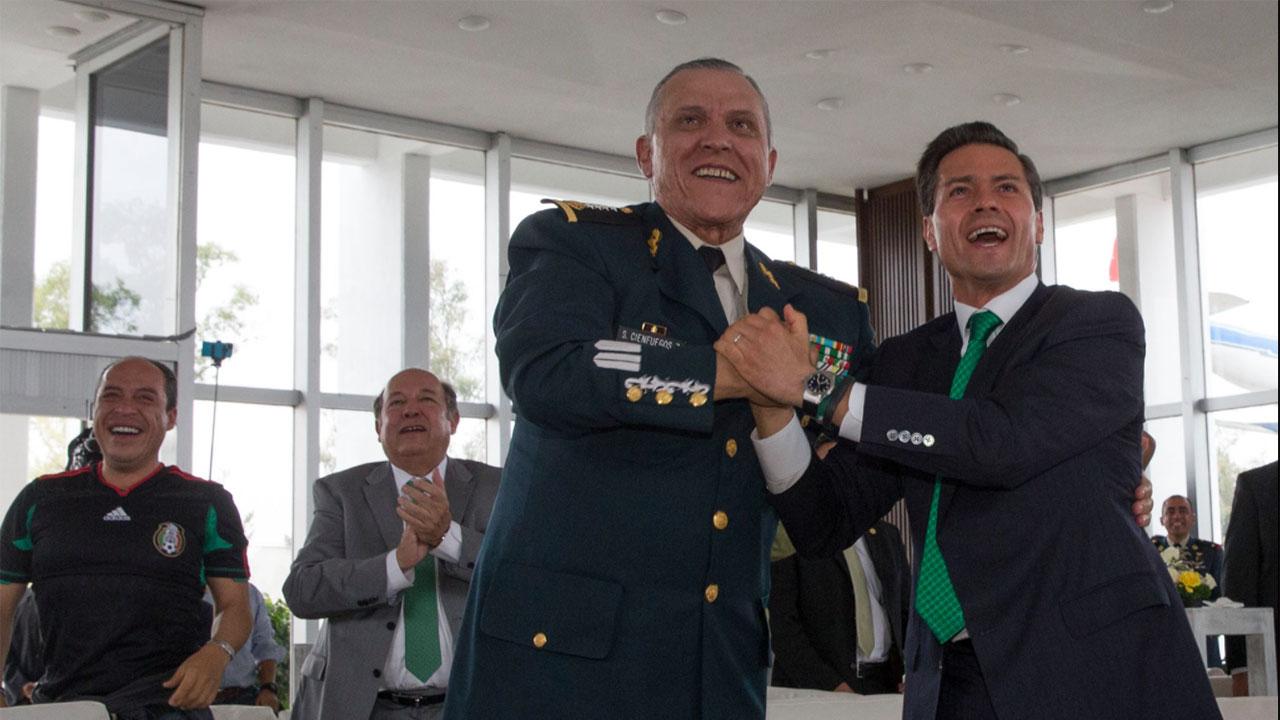 Fotogalería: Las grietas del general Salvador Cienfuegos