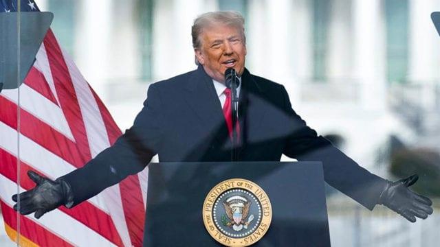 Trump afuera Casa Blanca 2