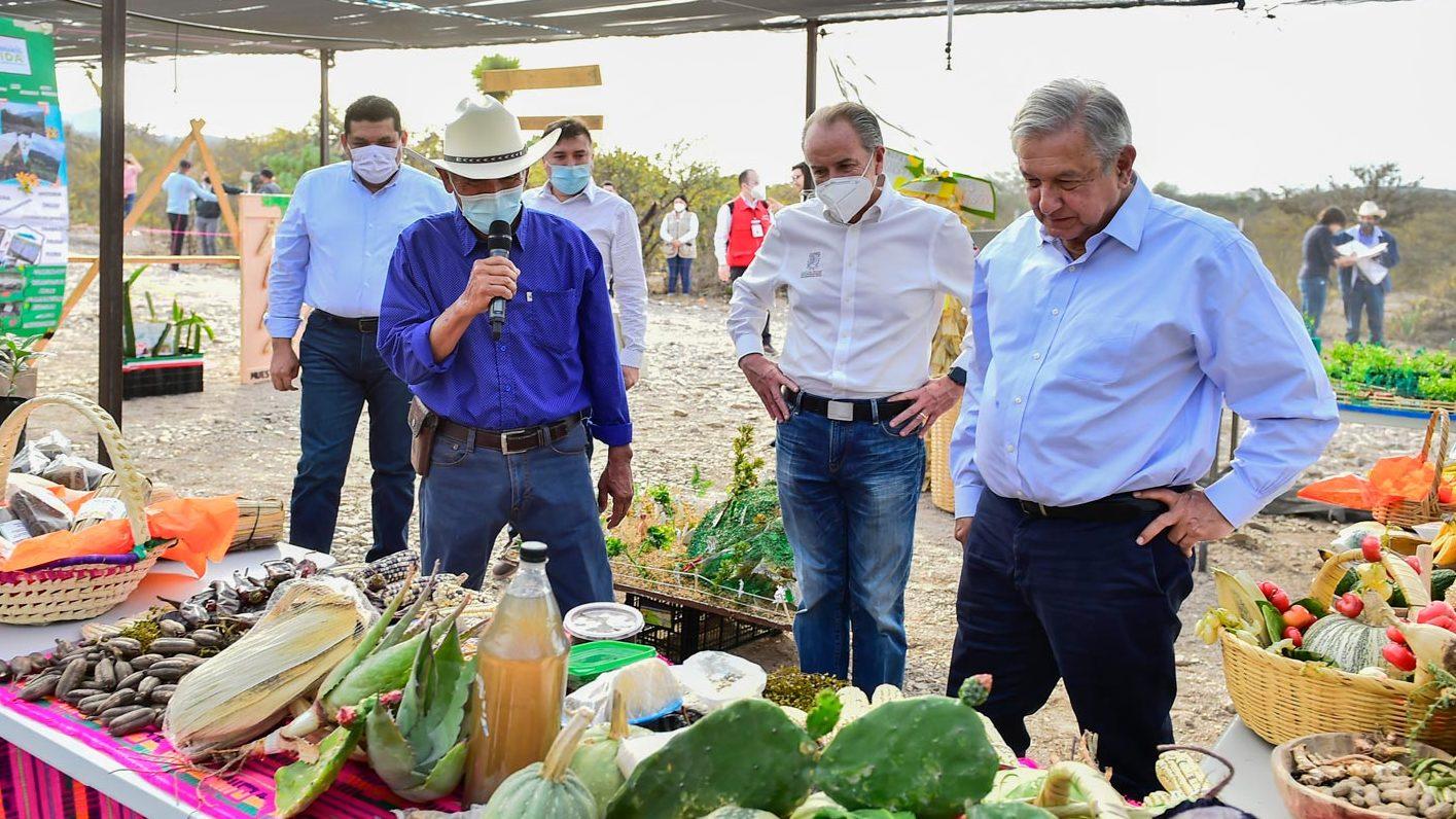 Ebrard, Rosa Icela y los funcionarios que han estado con AMLO la última semana