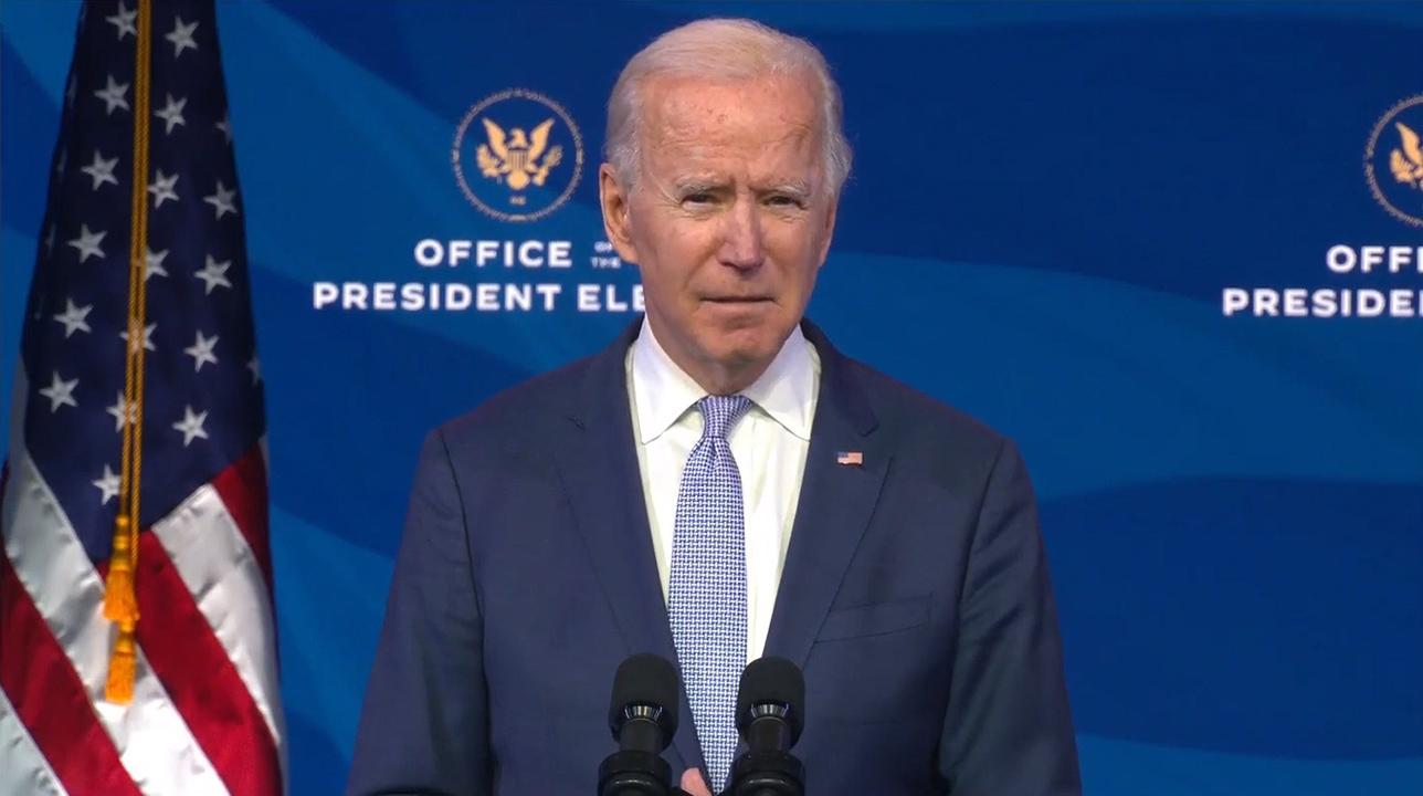 Biden impulsa ayudas a pequeños negocios de EU