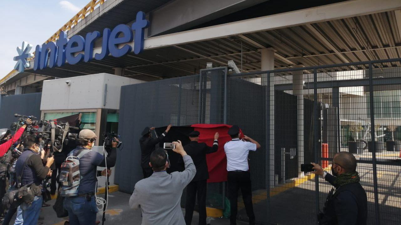 Estallan huelga trabajadores de Interjet