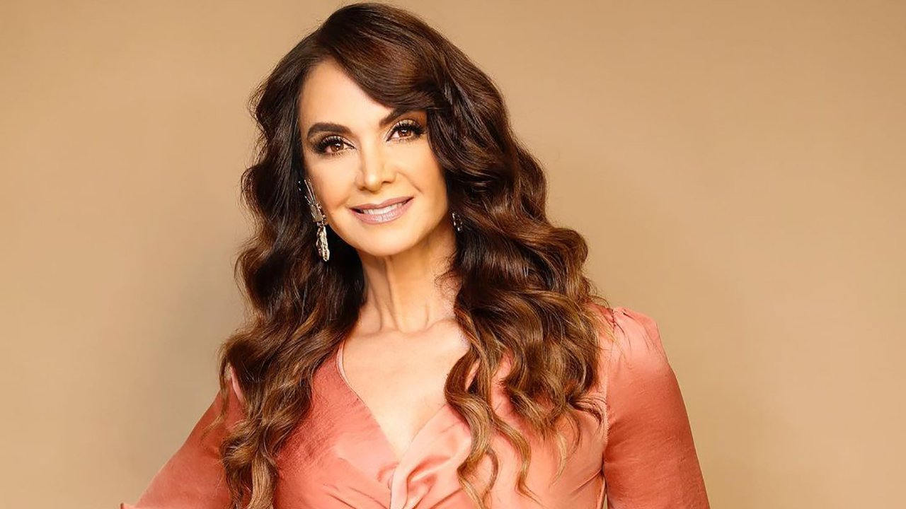 Lupita Jones acepta ser candidata del PRI, PAN y PRD a gobernadora de Baja California