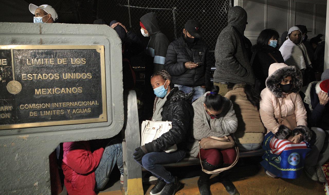 México y EU acuerdan diseñar estrategia en migración