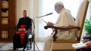 El Papa pide eliminar los muros del egoísmo y de los intereses nacionales