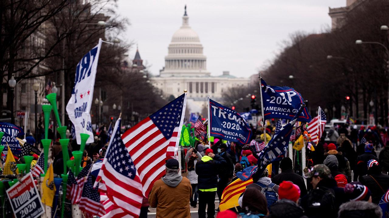 Alcaldesa ordena toque de queda en Washington D.C.