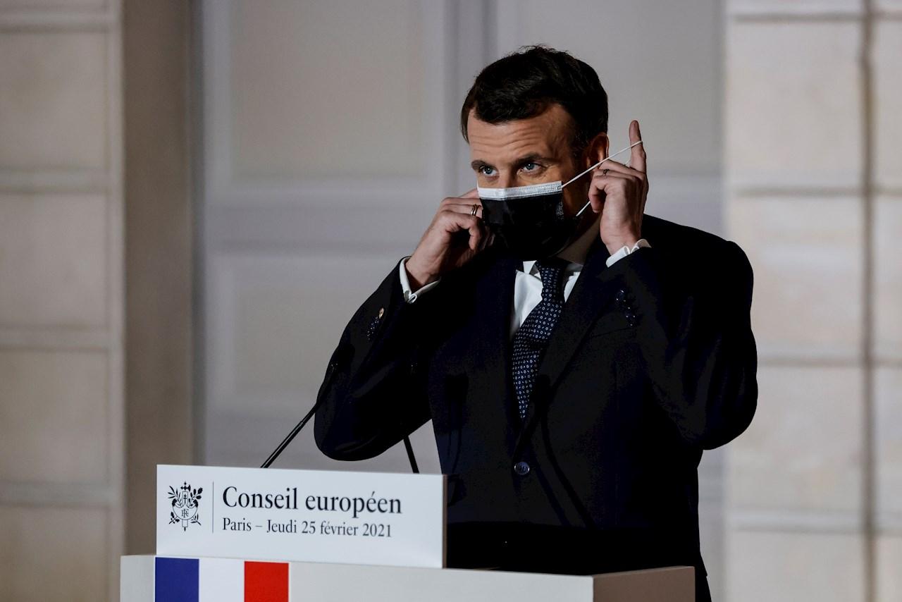 Macron pide coordinación para certificado de vacunación en UE