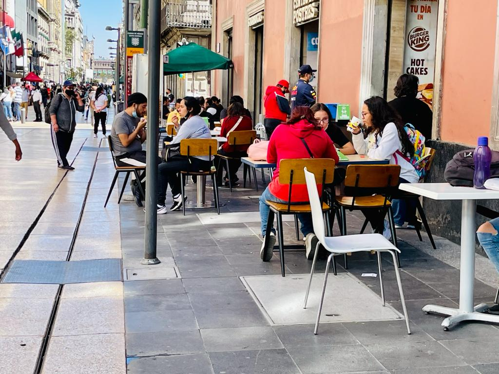 Moody's mantiene  calificación crediticia de México con perspectiva negativa