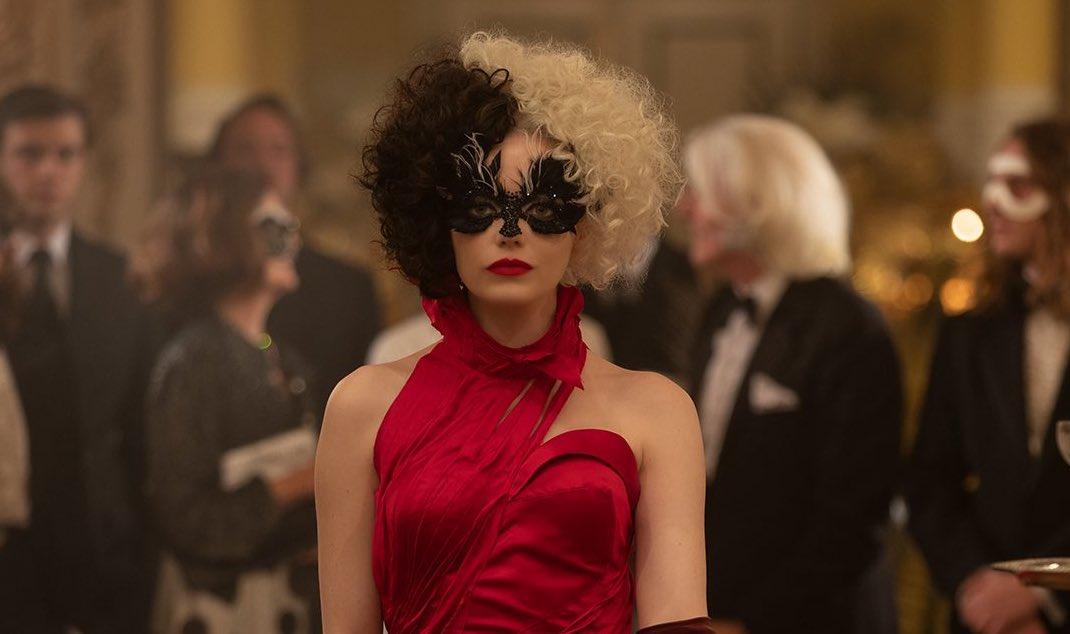 Emma Stone se convierte en la temida 'Cruella' en trailer oficial del live action